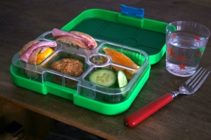 Dried%20Mango%20Yumbox%20copy